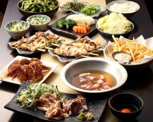 とりいちず酒場 亀有北口店の鶏料理を満喫できる〈食べ放題×飲み放題コース〉